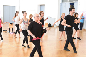 DANCING WITH HEALTH - LEZIONE DI BALLO